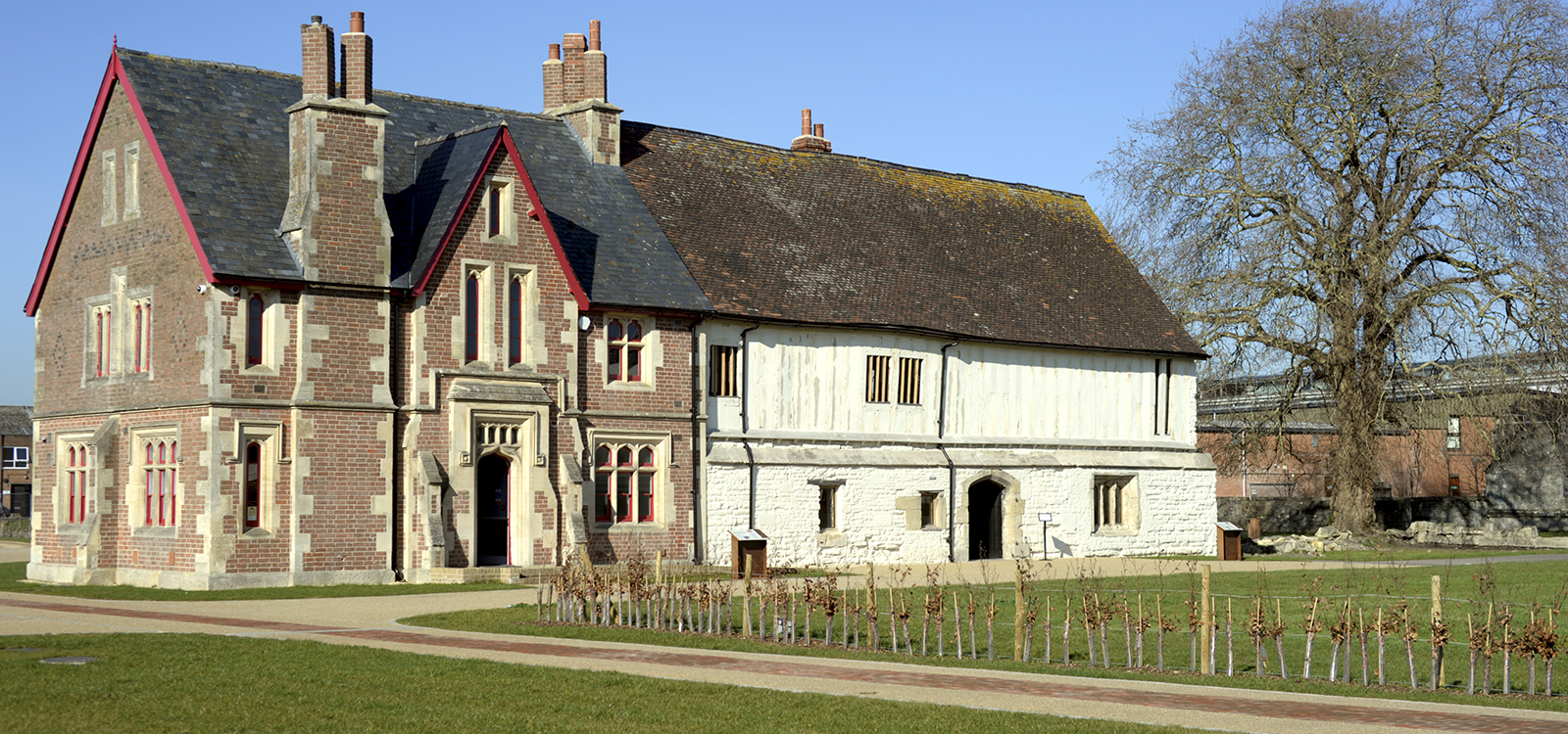 Llanthony Secunda Priory, Gloucester
